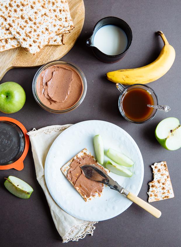 Vegan nut, cocoa & olive oil spread