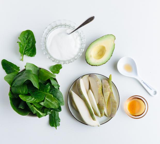 Spinach, avocado & maple smoothie bowl
