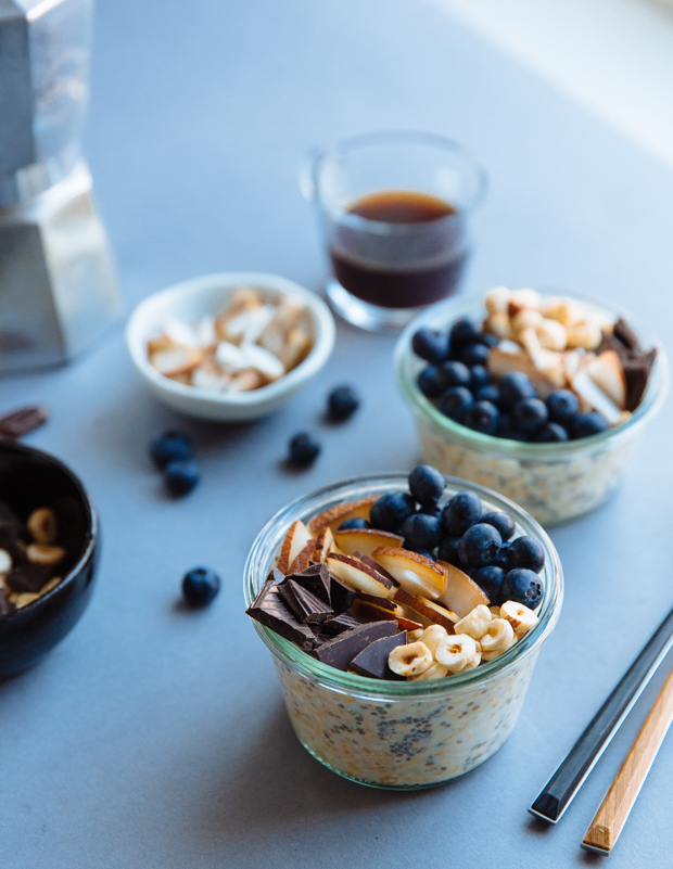 Coconut, dark chocolate & hazelnut blueberry overnight oats