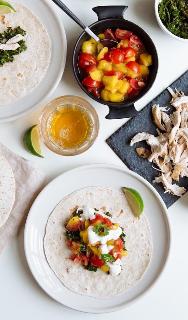 Spicy mango & lime chicken tacos