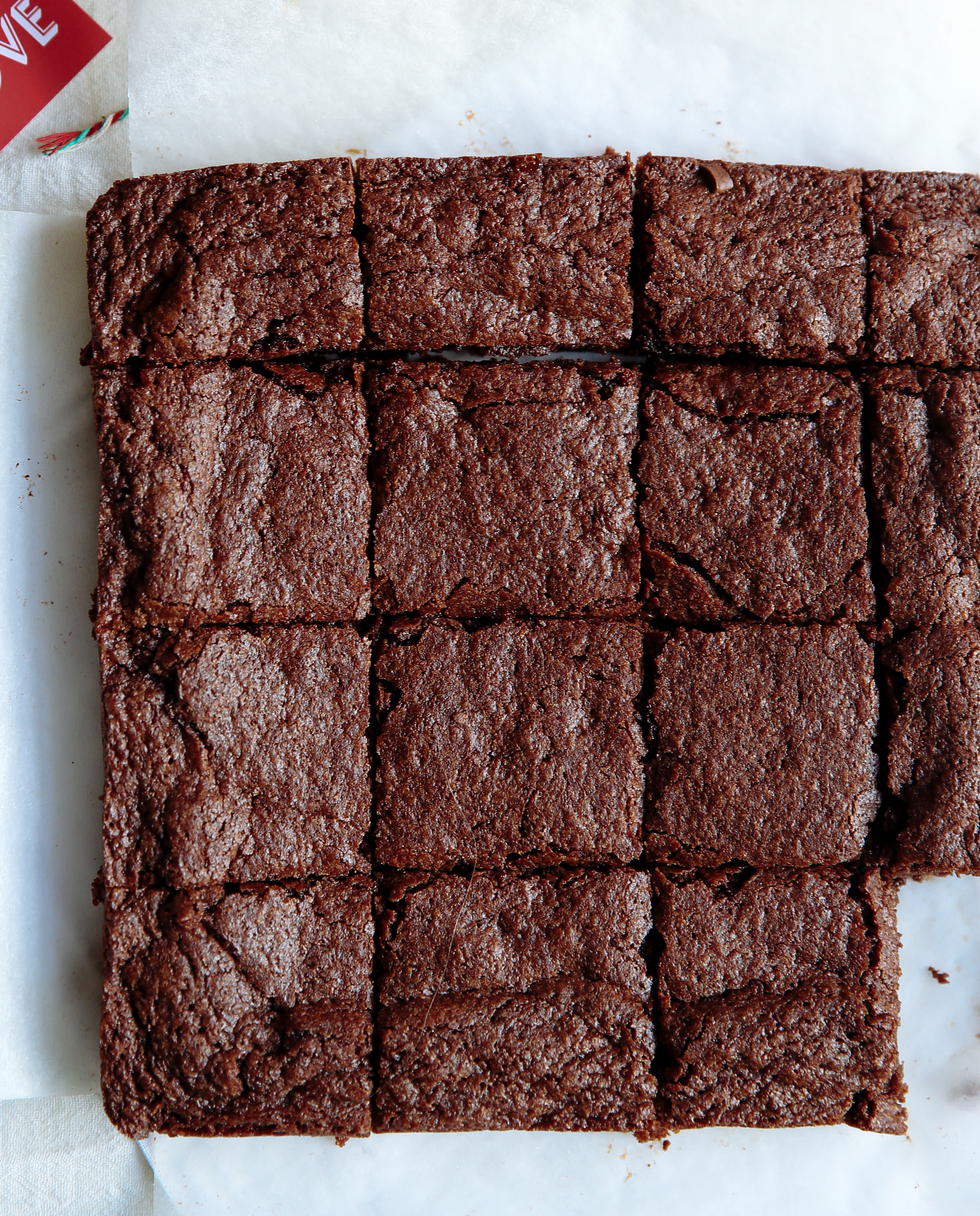 caramel-cinnamon-dark-chocolate-brownies