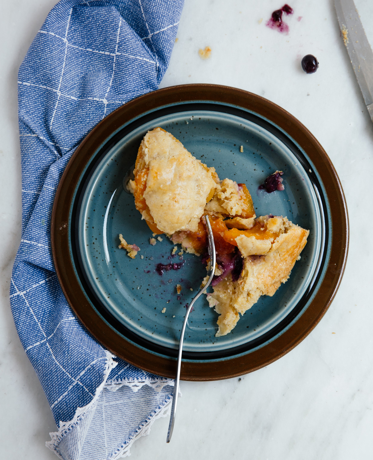Apricot & blueberry pie