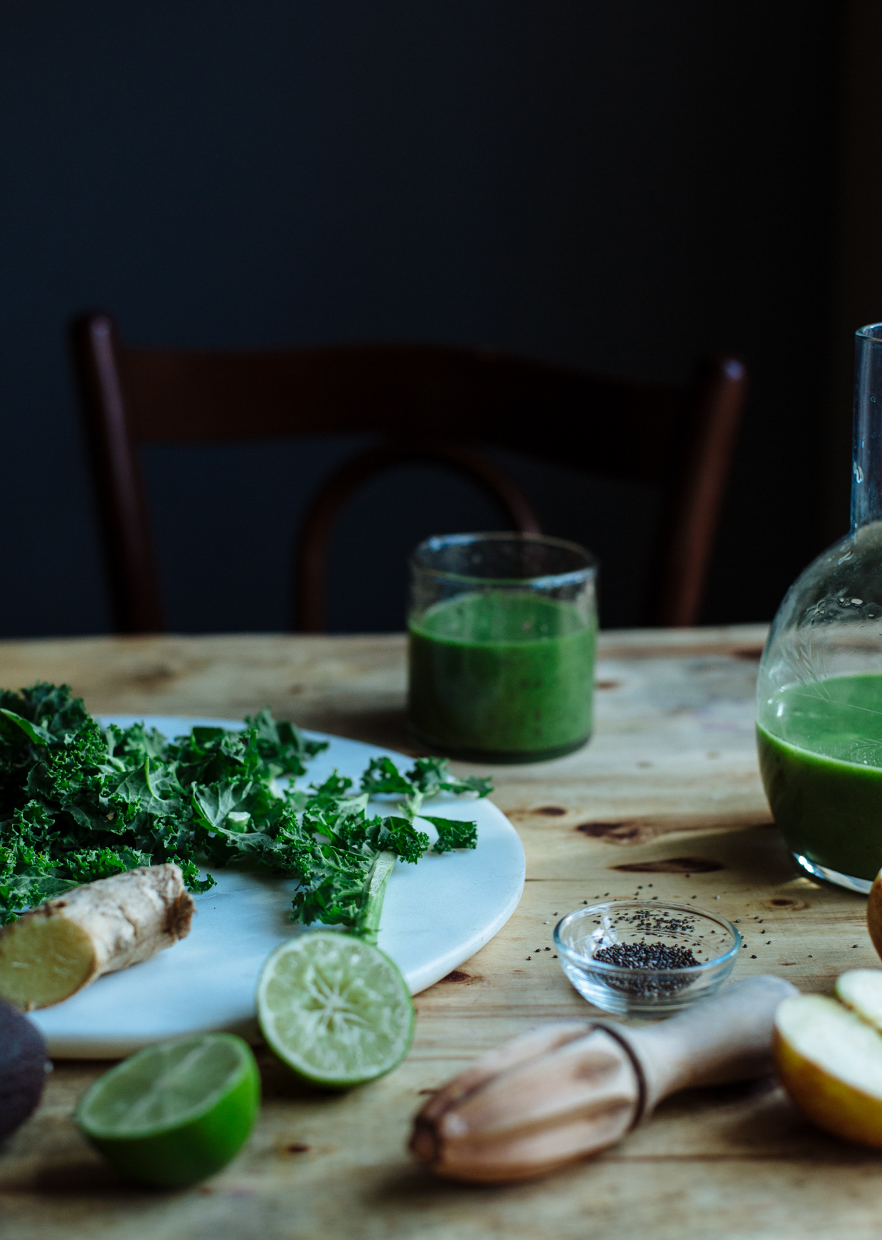 Super green avocado, kale & ginger smoothie