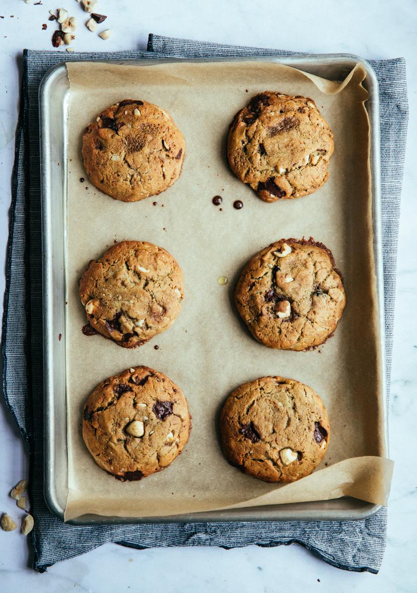 Hazelnut & raisin olive oil cookies