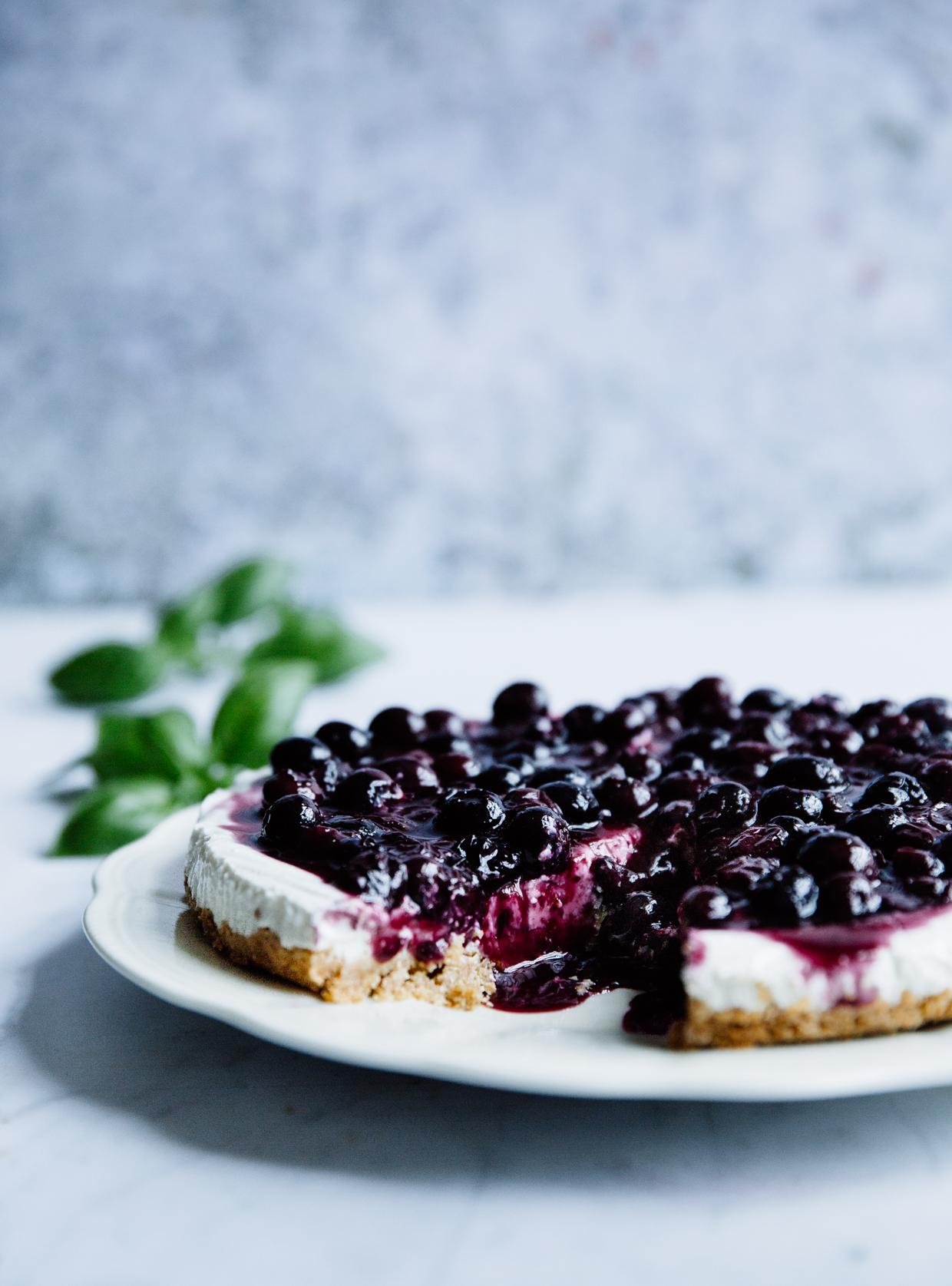 Blueberry, basil & lime yogurt cheesecake