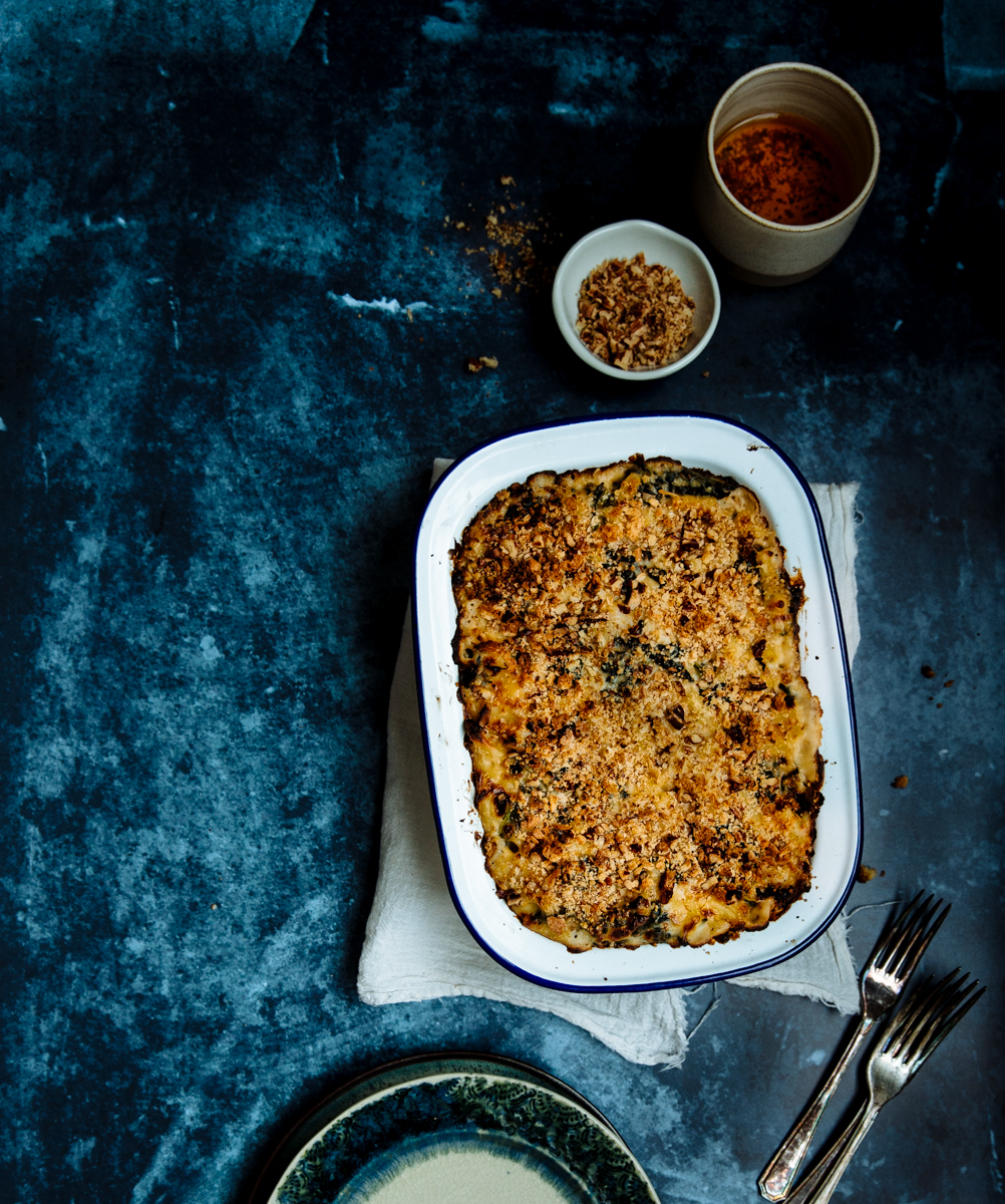 Cavolo nero & sun dried tomato mac & cheese with crunchy pecan topping