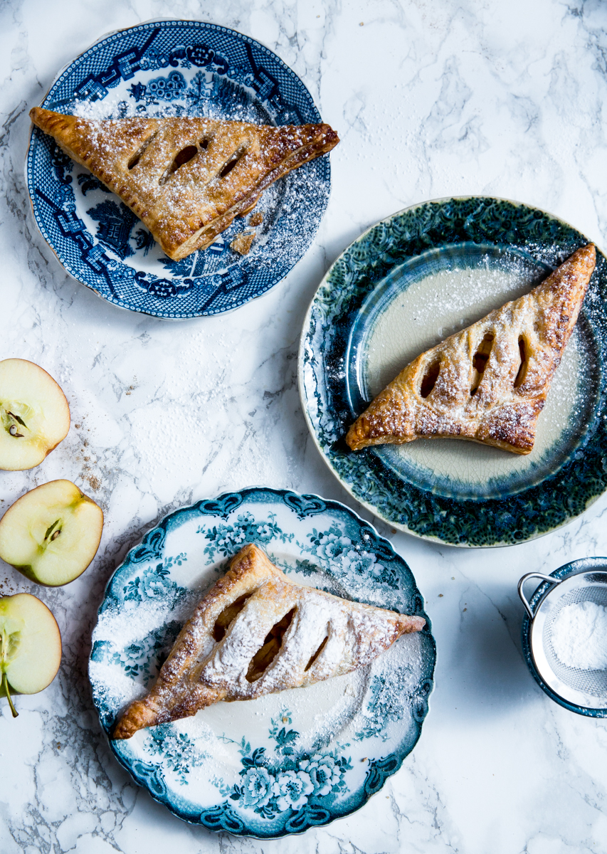 Cinnamon & lemon mini apple pies